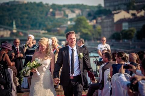 esküvő a Dunán, Budapesten, szombaton