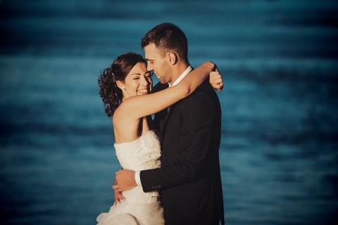 Tengernyi boldogság, esküvő van.