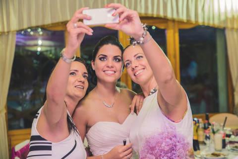 esküvői szelfi
